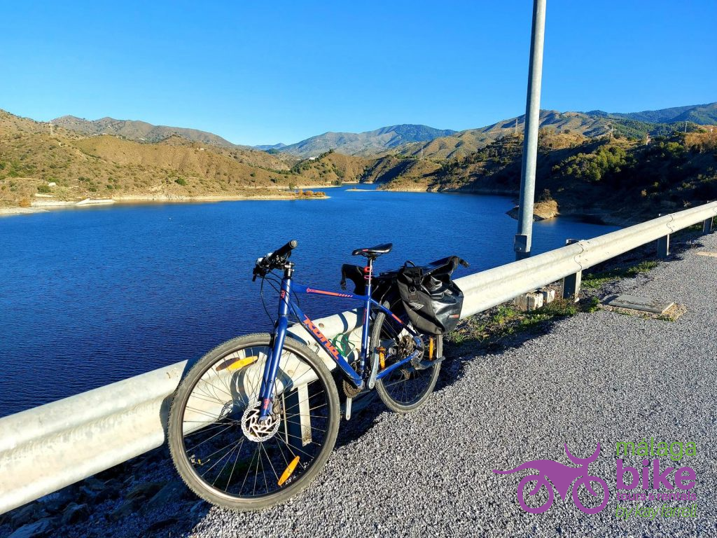 Cycling in Malaga to El Limonero Dam is a must-do bike ride